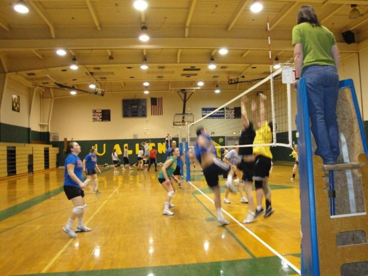 QUAD VOLLEYBALL LEAGUES - Forming Now