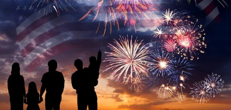 LIST of Fourth of JULY Festivals, Parades, Fireworks & MORE!