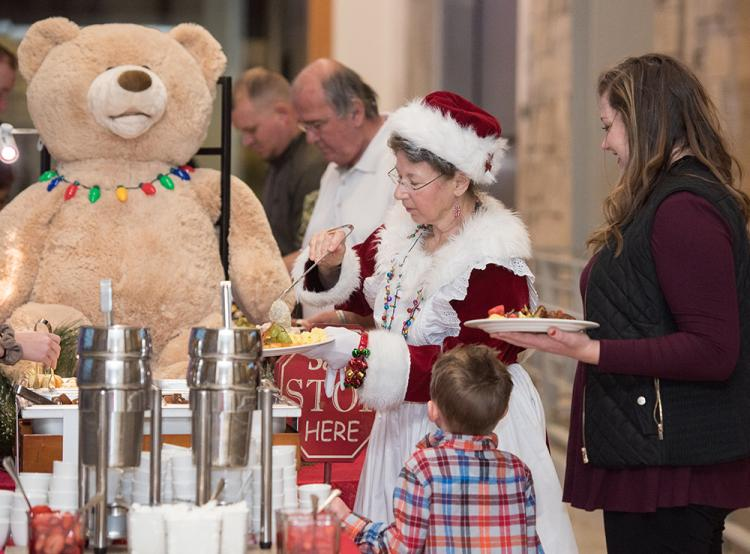Santa's Holiday Breakfast at Indiana State Museum