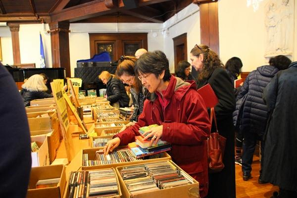 Midwinter Book Sale at Pequot Library