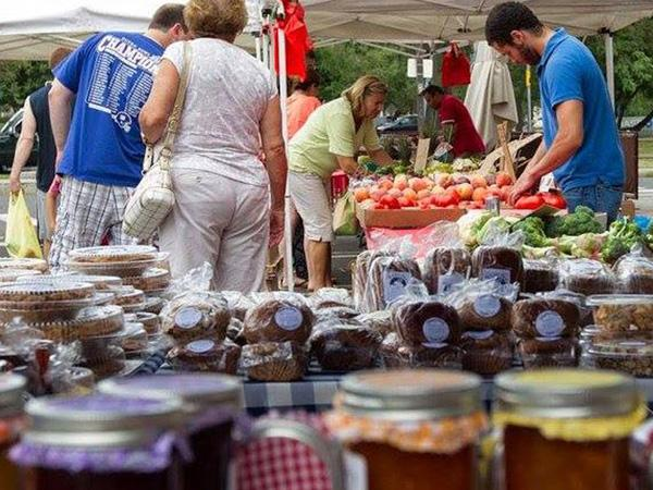 Stamford Museum and Nature Center presents Sunday farmers market