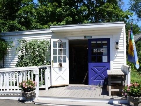 Curio Cottage Thrift Shop Hosts Sweetheart of a Sale ~ 02/10-15