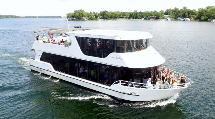 Book a Lake Minnetonka or Mississippi River Cruise!