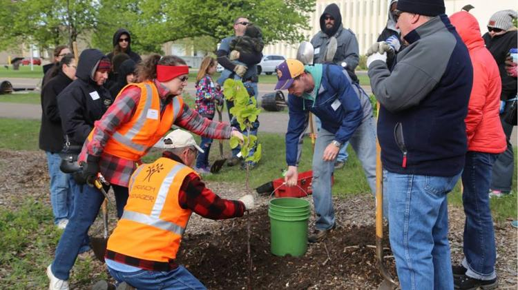 St. Louis Park - Arbor Day and Community Tree Planting Celebration