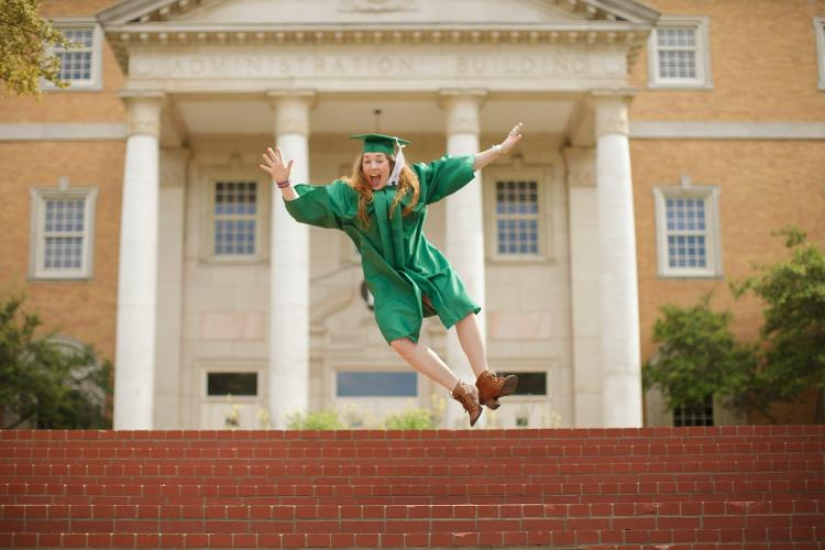 Top 5 Tips to help your child in their first semester of college!