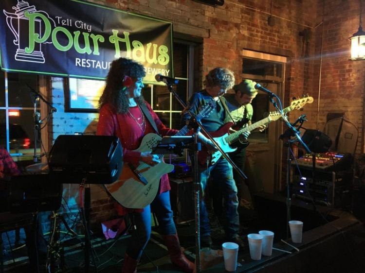 Sunday Concert Series: The Linda Smith Band