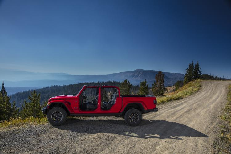 Experience the Jeep® Brand at The Detroit Pistons Home Games