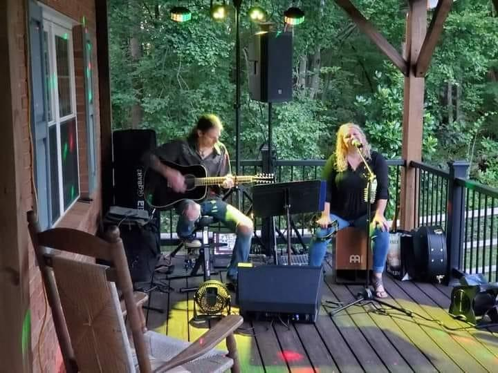 FireByrd Acoustic Duo live at Tap and Vine