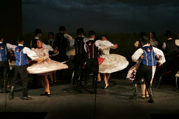 Hungarian Folk & Gypsy Dance Show
