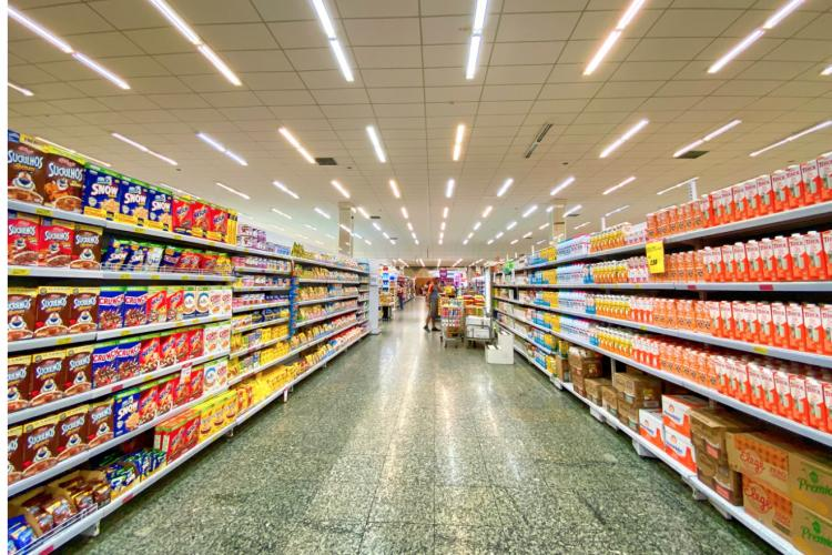 6 Things About Grocery Store Aisles That Will Save You Money