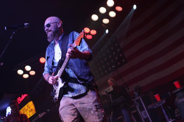 Corey Smith Live at the Thomas Cumberland Tri-State Wing Off and Music Festival