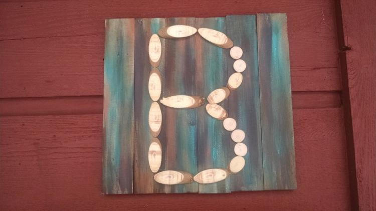 Make a Wood Slice Family Initial Sign