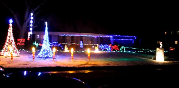 Decorated Christmas Home- 2901 W. 54th Place, Merrillville