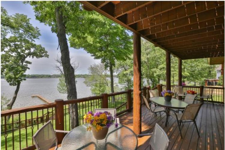 Log Home on the Lake, Cedar Lake - Vacation Rental Home