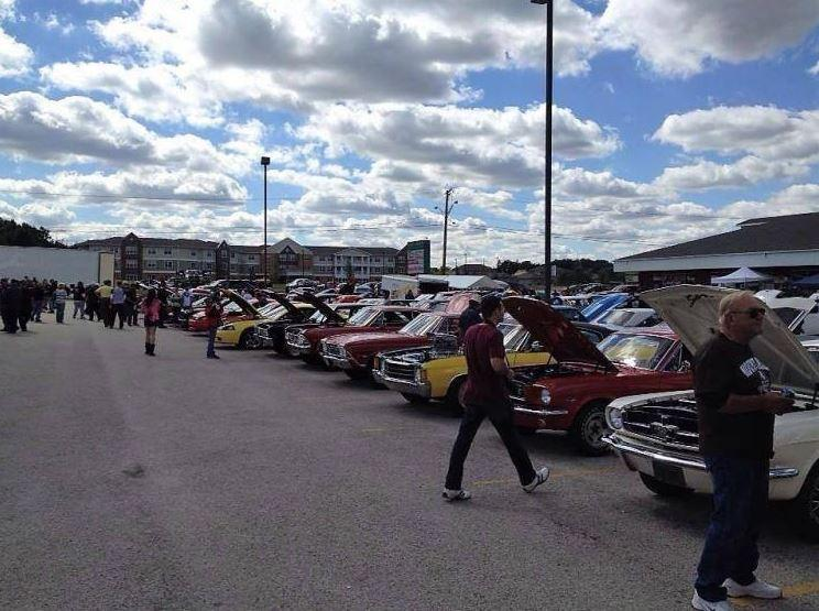 White's Pit Stop Car Show