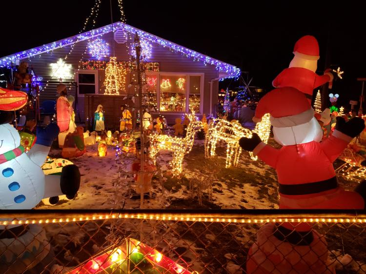 Decorated Christmas Home- 502 S Rensselaer Griffith