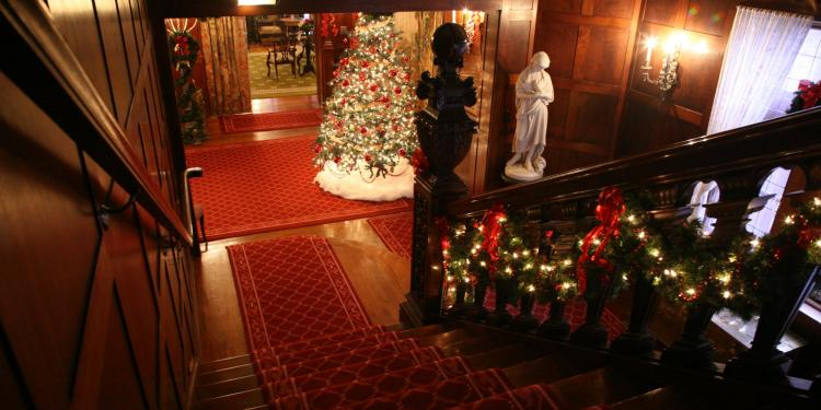 Barker Mansion Christmas Tours