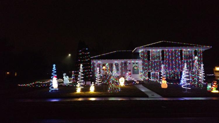 Decorated Christmas Home- 1020 Richmond ct. Dyer