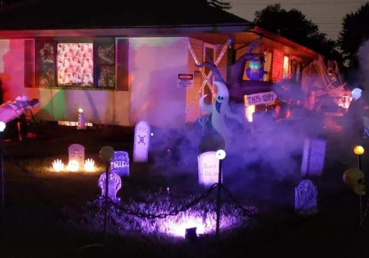 Decorated Halloween Home in Highland - Creepy Corner (3147 Franklin St)