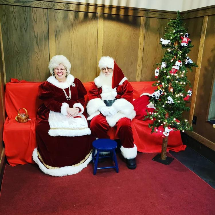 Santa and Mrs. Claus Come to Chick-fil-A