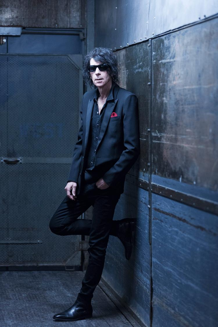 Peter Wolf and the Midnight Travelers
