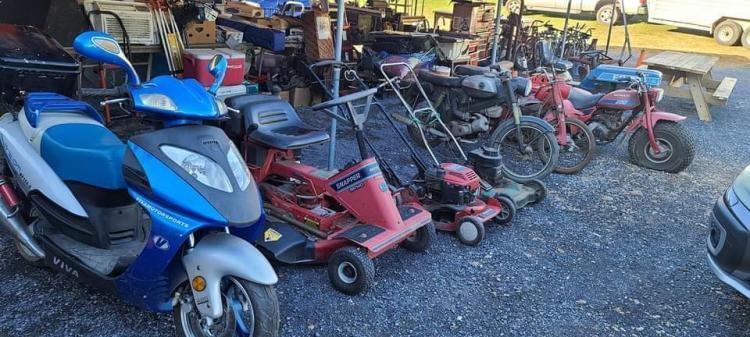 Barn finds and tool auction at Knobley Mountain Auctions